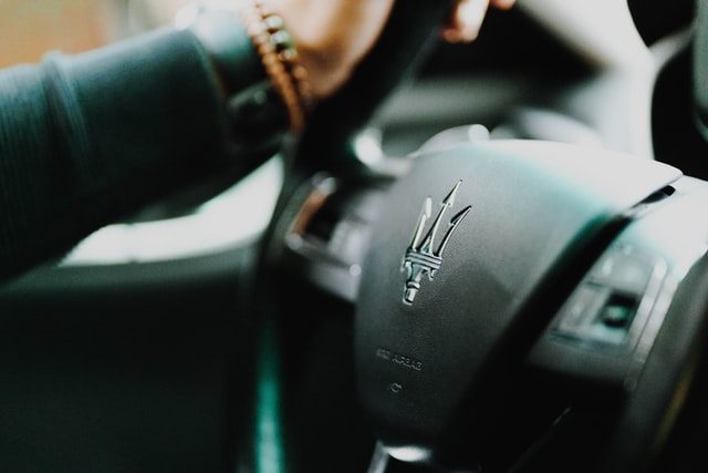 volant voiture maserati