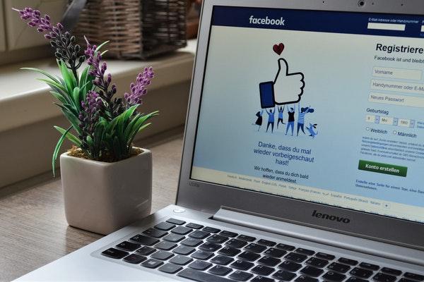 ordinateur facebook