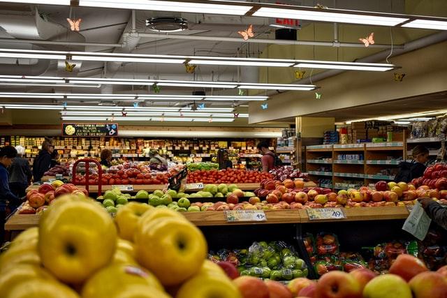 rayons fruits magasin